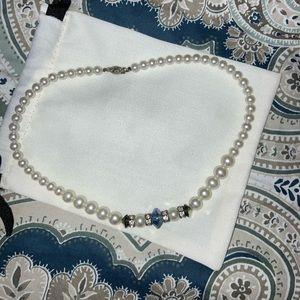 Jewelry - Vintage fake pearl chocker